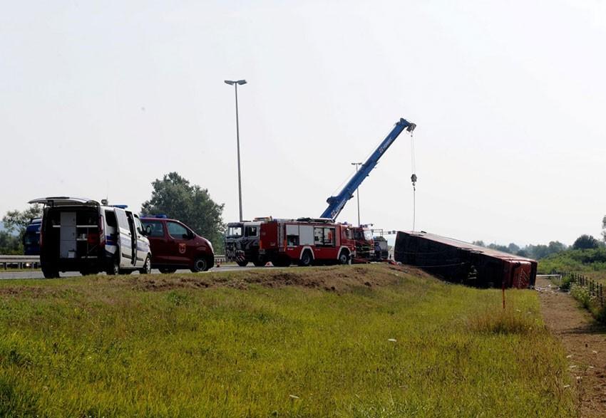 Izlijetanje kosovskog autobusa u Hrvatskoj