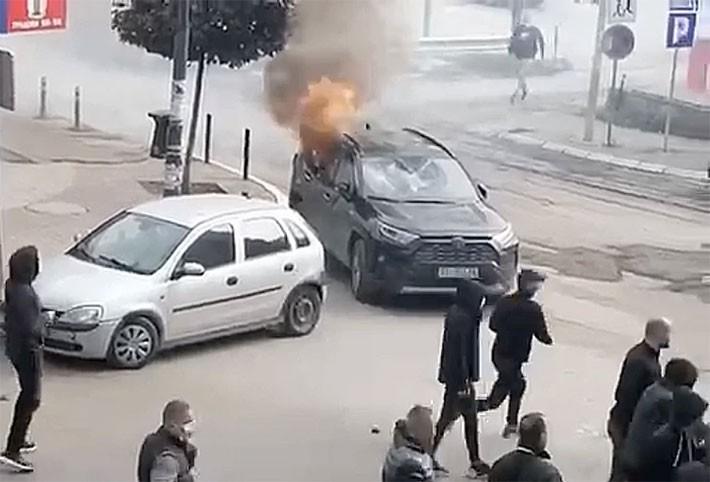 POVLAČI SE POLICIJA KOSOVA